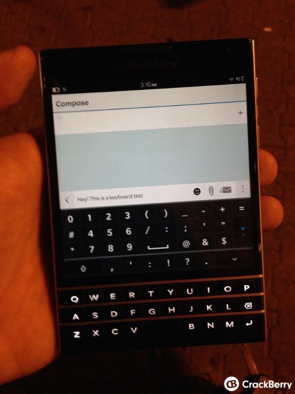 BlackBerry-Passport1